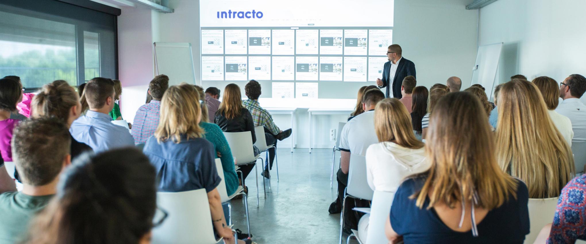 Een business event bij digital agency Intracto.